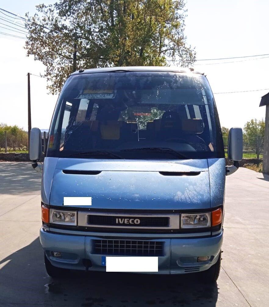 IVECO A65C15 WING 26+1PLZ  furgoneta de pasajeros